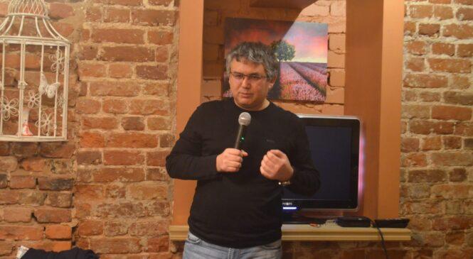 На 5 главных вопросов о поправках в Конституцию ответил политолог Аббас Галлямов